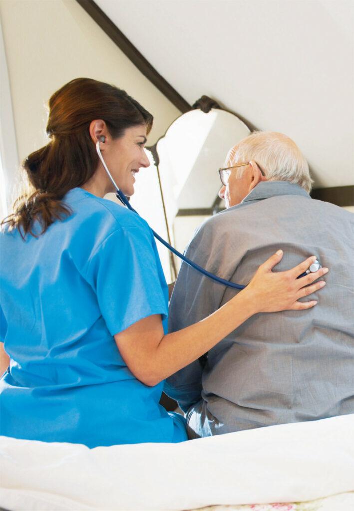 Medizinische Betreuung durch eine Mitarbeiterin